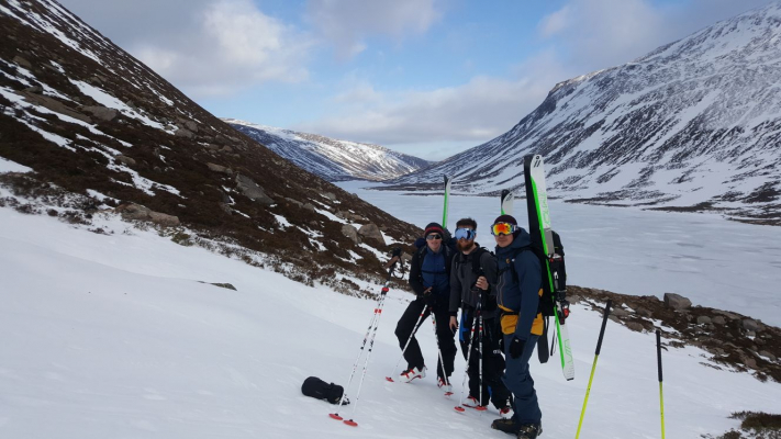 4 Turning very cold..... #winterskills #skitouring #winterclimbing #wintermountaineering
