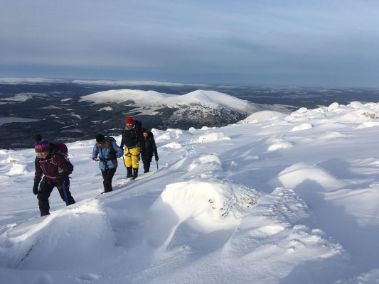 9 Great conditions for this week's winter skills & winter mountaineering courses