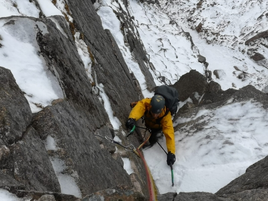 1 Winter arrives just in time #winterskills #winterclimbing #skitouring