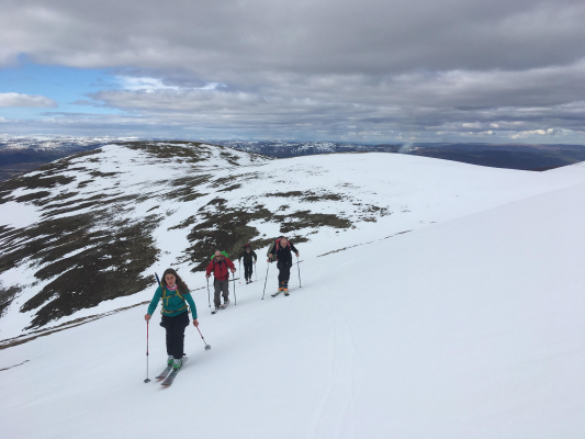 2 The end of a great winter season #winterskills #winterclimbing #skitouring #cairngorms