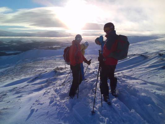 0 Winter makes a return #winterskills #ski touring #cairngorms
