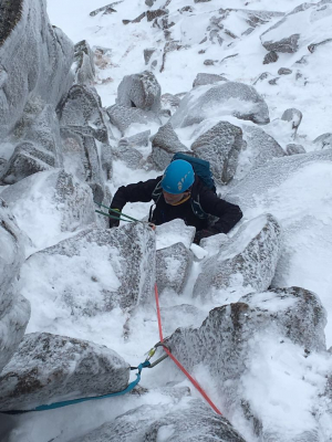 2 Great conditions for this week's winter skills & winter mountaineering courses