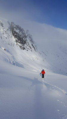 9 Great winter conditions continue #winterskills #wintermountaineering #skitouring #cairngorms #scotland