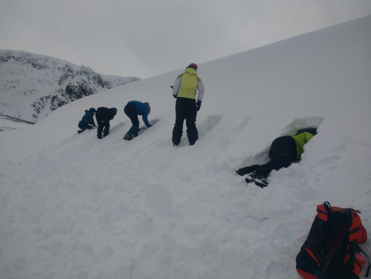 10 Great winter conditions continue #winterskills #wintermountaineering #skitouring #cairngorms #scotland