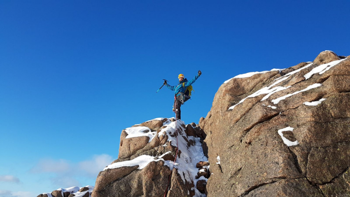 0 Lots of snow in the Cairngorms #winterskills #skitouring #wintermountaineering #winterclimbing
