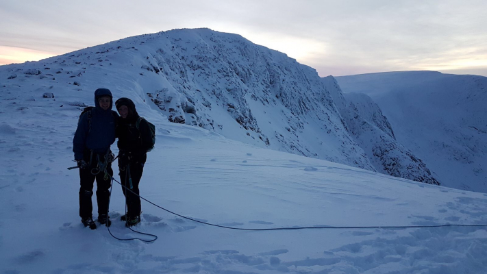 0 Blue Skies and Sunshine (winter skills & winter mountaineers)