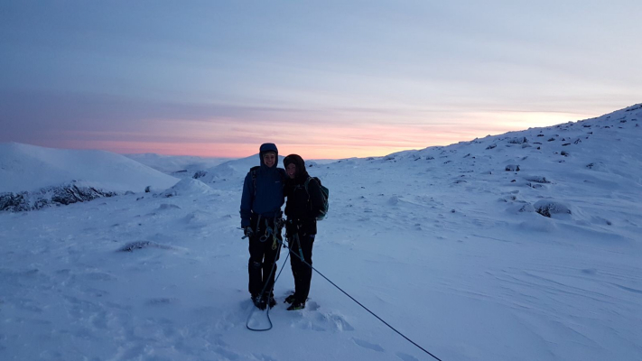 7 Blue Skies and Sunshine (winter skills & winter mountaineers)