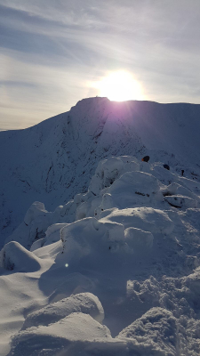 6 Blue Skies and Sunshine (winter skills & winter mountaineers)